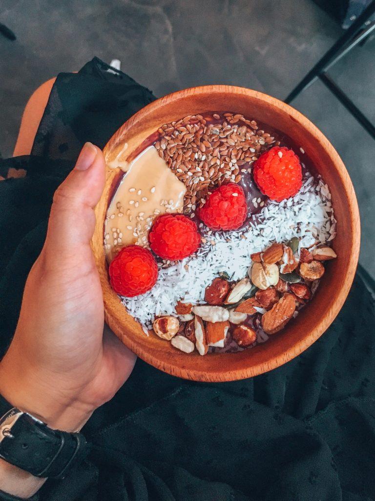 sloe sain bio healthy déjeuner açaï tartines avocat blog lucileinwonderland food lifestyle